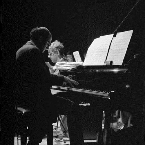 Michael Nyman Silver-Fingered Fling (from The Piano) pictures